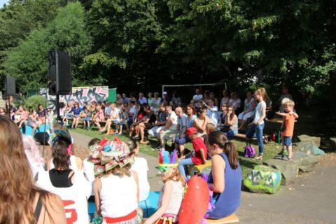 Around the World - Kultur Rucksack NRW der Kreativitätschule Berg. Gladbach