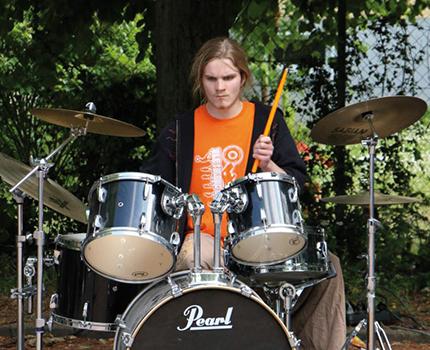 Schlagzeugspieler beim Live-Auftritt