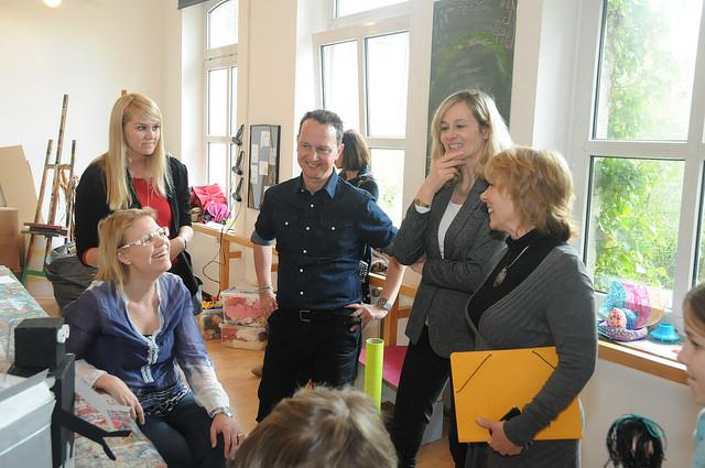 Ministerin Kampmann zu Besuch in der Kreativitätsschule Berg. Gladbach