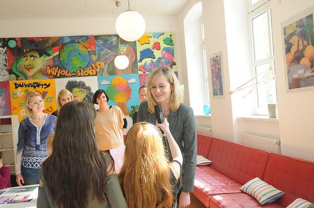 Interview mit Ministerin Kampmann in der Kreativitätsschule Berg. Gladbach